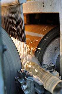 Grinding of rods