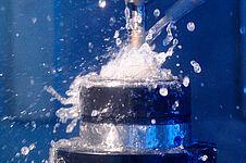 CNC Fräsen hartspröder Werkstoffe bei der Glastechnik Kirste KG