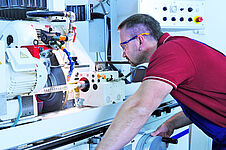 High-precision manufacturing in the Glastechnik Kirste KG